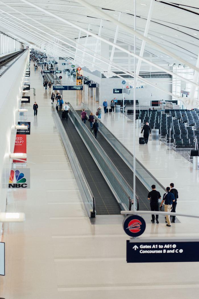 profesionistas y aeropuertos